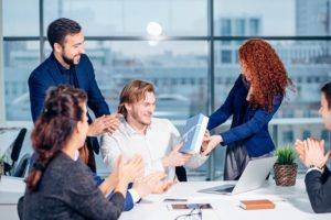 Read more about the article Gift-Giving Etiquette: 7 Mistakes To Avoid Inside The Workplace
